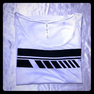 Fabletics T-Shirt
